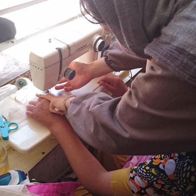 آموزش مشاغل خانگی به مادران و دختران