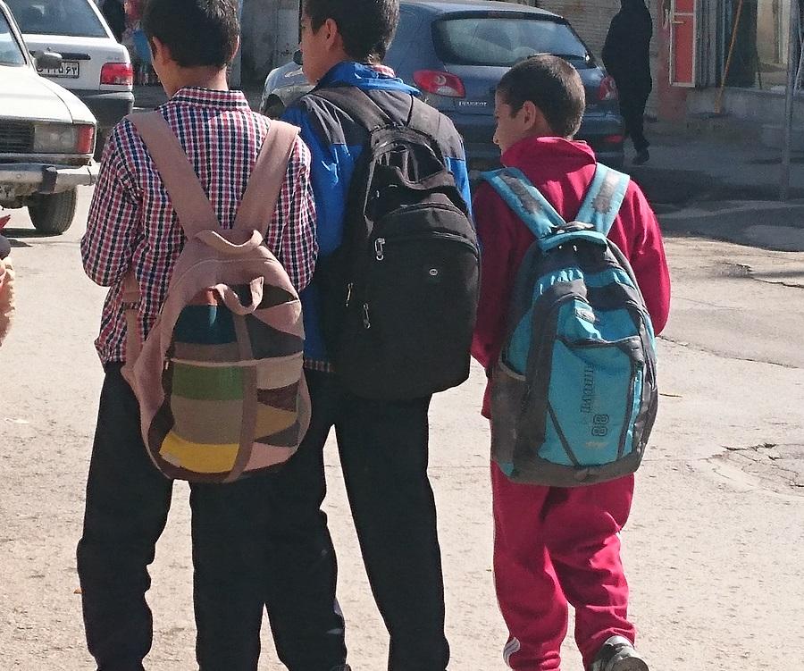 سواد آموزی به نوجوانان کار و خیابان